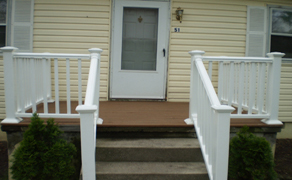 finished vinyl railing (front view)